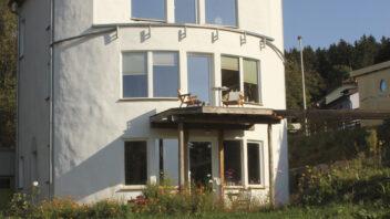 Fast fertig: Das Strohballenwohnhaus 2011