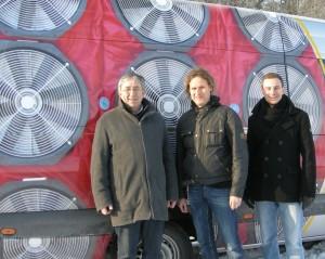 BlowerDoor GmbH Geschäftsführer Paul Simons (links), pro clima Gebietsvertreter Süd-West Holger Merkel und BlowerDoor GmbH Vertriebsleiter Sven Seidel in Eldagsen (Springe).