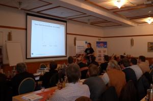pro clima Gebietsvertreter Süd-West Holger Merkel referierte im Saarland über Möglichkeiten der Dachsanierung.