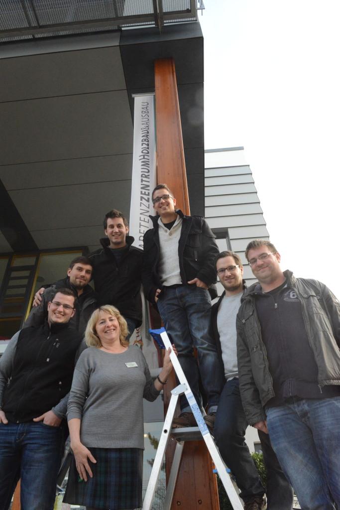 Auf dem Weg nach oben: die ersten Absolventen des Biberacher Modells. In der Mitte Seminarmanagerin Anna Strahl.