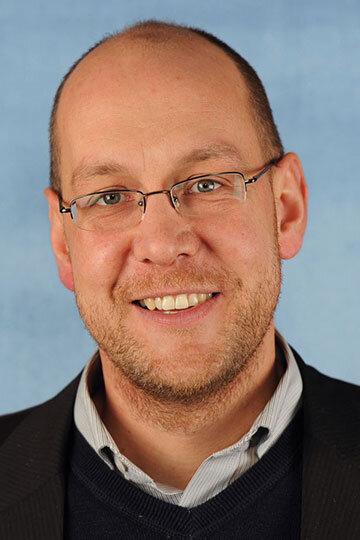 Jens Lüder Herms, Zimmerer & Diplom-Ingenieur (FH), Exportmanager und Anwendungstechniker